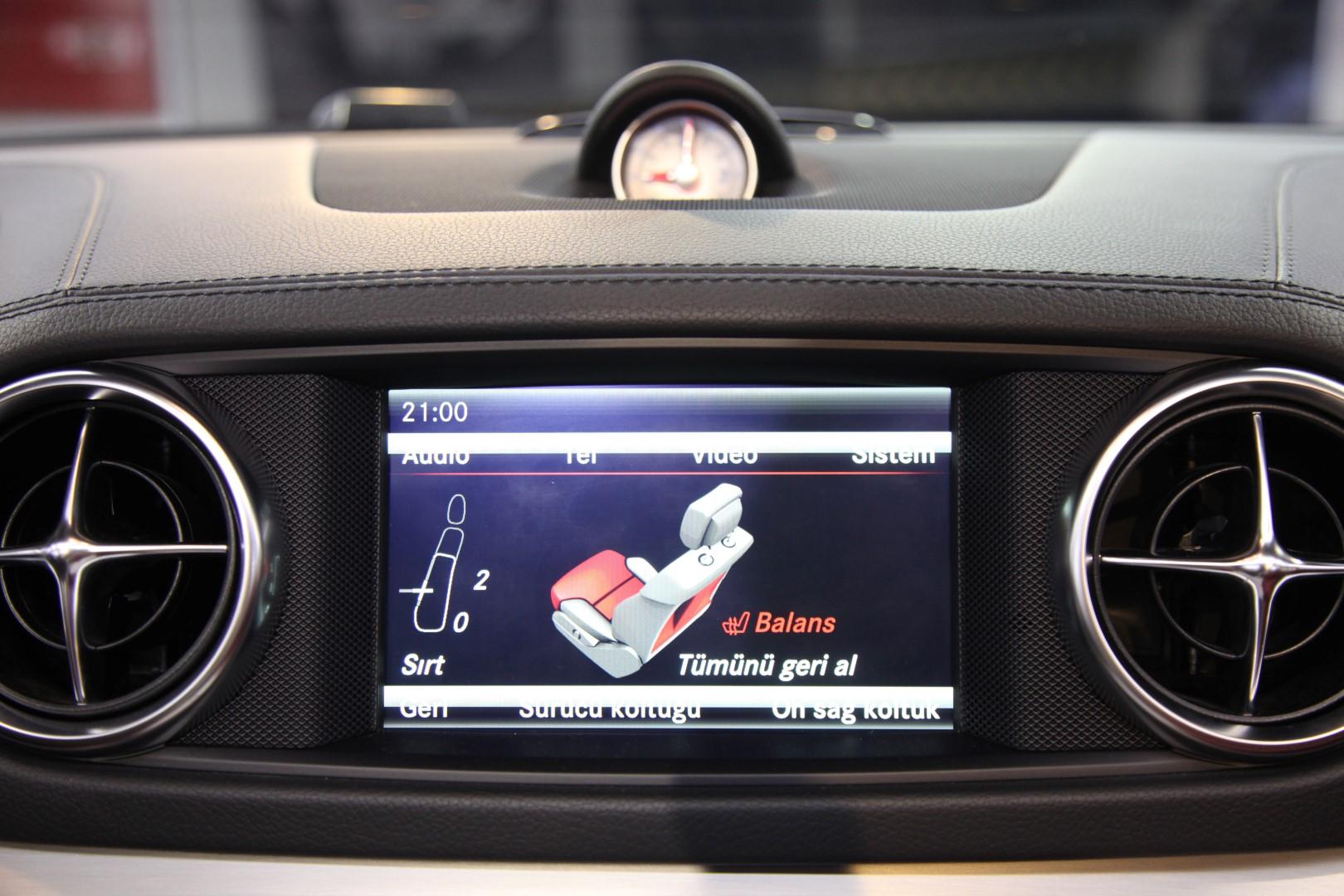 Mercedes benz sl 400 amg for Mercedes benz call center